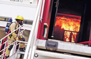 港府欲活化工廈,應考慮立法要求安裝煙霧探測器,才能防患未然。(資料圖片)