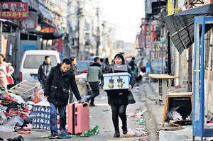 北京大興區發生19人殞命特大火災後,當局展開以公共安全為務的「大排查」,引發「低端人口」風波的公關災難。(路透社資料圖片)