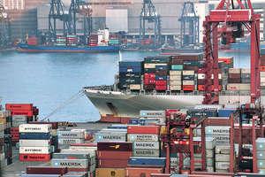 想要在新形勢下真正鞏固和提升航運中心地位,香港航運業不應單追求集裝箱吞吐量及船隊等數字增長,而是着重發展高增值航運服務。(資料圖片)