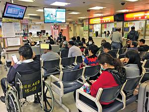 香港的醫療需求隨人口老化急升,供應卻未達標,我們急需增加培訓醫護人員、增建醫院及療養設施,並進行徹底的系統改革。(資料圖片)