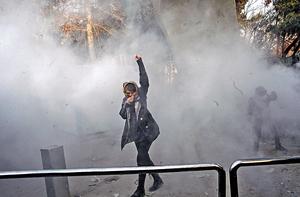 伊朗雖然經濟指標一直向好,但增長沒有給伊朗高企的失業率帶來任何改善,尤其年輕人失業率嚴重,因而引發近日騷亂。(法新社資料圖片)