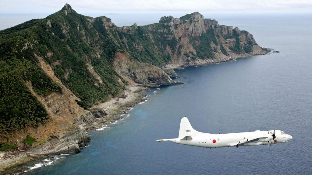 日本軍機出現在主權具爭議的釣島上空。