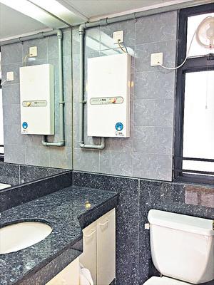 浴室保養不俗,潔具齊全。
