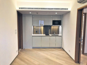 開放式廚房設計,儲物空間充足。