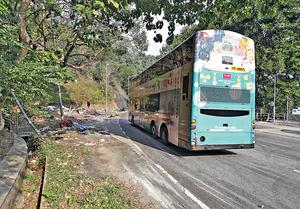 大埔公路發生巴士翻側意外,如何提升乘客的安全,成社會關注的議題。(資料圖片)