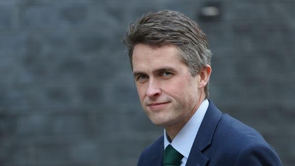 英國國防大臣韋廉信。