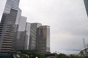 灣仔會展廣場中層03室呎價高見3.83萬元,打破去年紀錄創新高。