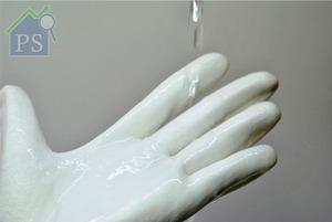 它適用於冷水手洗,或者以洗衣機代勞,然後自然風乾。
