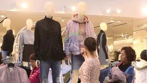 時裝店租舖擴充的意慾大增,近月市場上亦出現多宗不同時裝品牌的租務個案,主攻民生舖位。