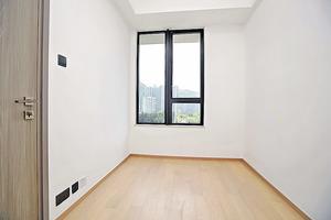 (1座高層A08室)睡房與客廳同向,間隔四正實用。(本刊攝影組)