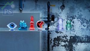 IKEA邀請了八位來自世界各地的當代藝術家創作玻璃擺設,一共八件的玻璃擺設於今天隆重登場。
