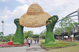 在台灣,正在舉行的宜蘭綠色博覽會以「實踐‧綠行動」為主題,提倡園區「全程無塑」,攤位不提供塑膠袋、即棄餐具。(中央社資料圖片)
