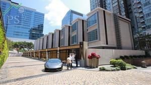維港‧星岸近一年來錄得17宗成交登記,涉及3間逾億元洋房。