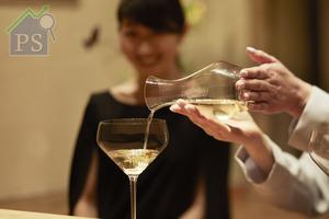 Riedel推出全新Junmai純米杯,是品牌專為日本清酒 而設計的第二款酒杯。