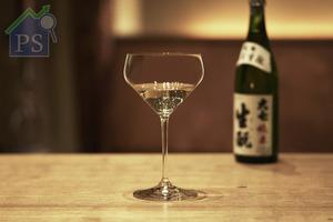 據了解,Junmai純米杯乃 品牌與日本主要的清酒生產商 攜手之作,務求為各種純米酒 帶來專屬的酒杯。