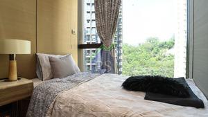 睡房有充足空間擺放單人床、衣櫃及小型床頭櫃。