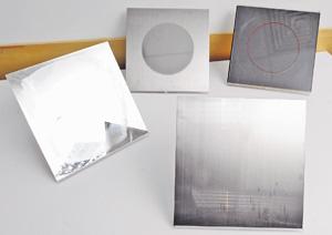 不銹鋼及玻璃上的刮痕,甚至超過10年的頑固銹迹和玻璃迹,都可翻新至接近全新。(程志遠攝)