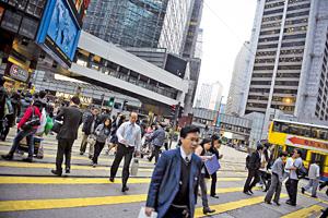 香港的對手太強,若我們不發展就會失去競爭力,增加土地供應可望轉危為機,打造香港成為有活力的國際都會。(新華社資料圖片)