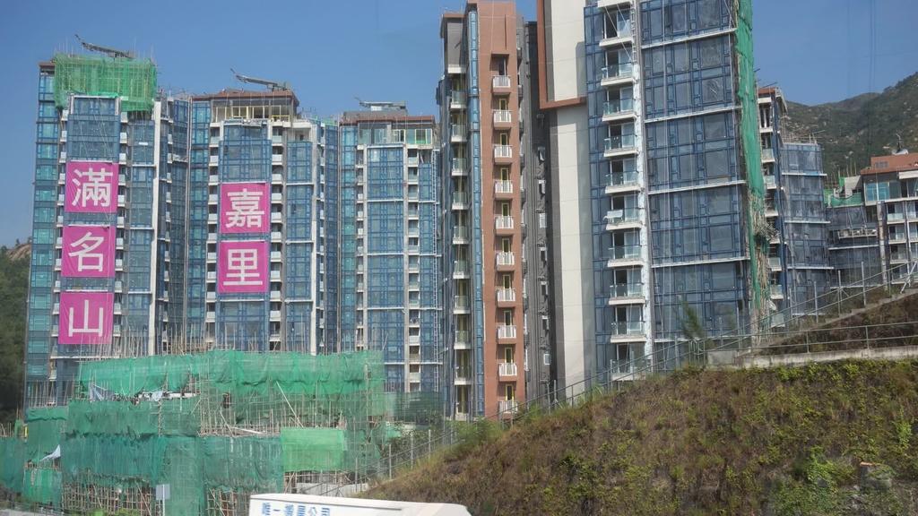 滿名山4房示位 地台升高打造小型演奏廳