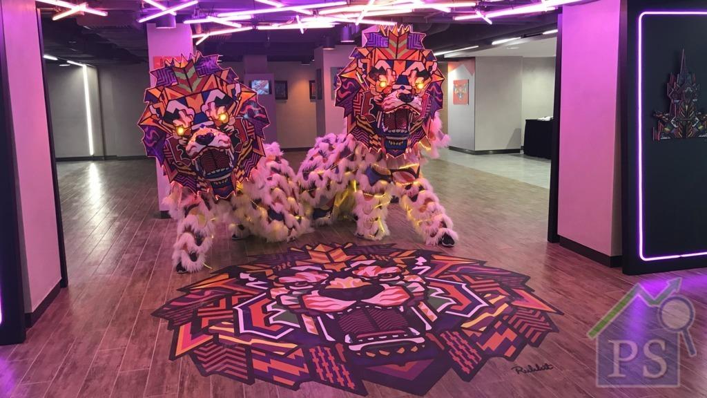 銅鑼灣現巨型獅子 幾何塗鴉破傳統賀歲