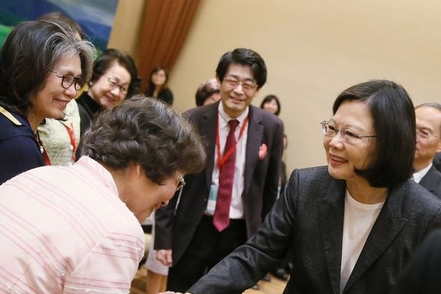 蔡英文總統今天接見「在日台灣同鄉會」表示,新政府上任後,將對日關係列「外交」重點。