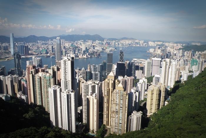 各方應如何避免香港繼續撕裂,令社會重拾發展正軌?