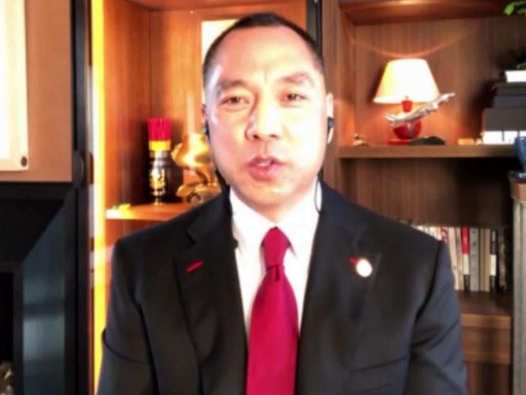 在逃亡期間,郭文貴曾在網上發布抹黑內地政商界人士的負面消息。
