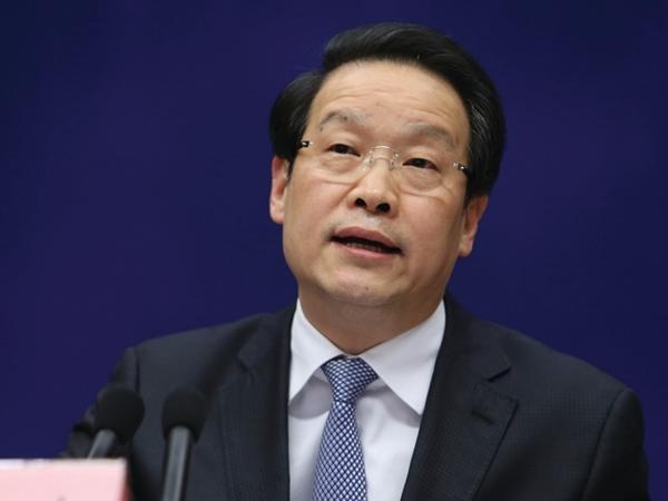 監會主席項俊波落馬,或涉及他在農行任董事長期間,支持郭文貴騙取32億元貸款有關。