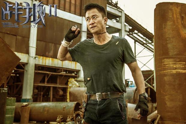 主演兼導演吳京個人財富急劇攀升,估計進帳至少10億元人民幣。