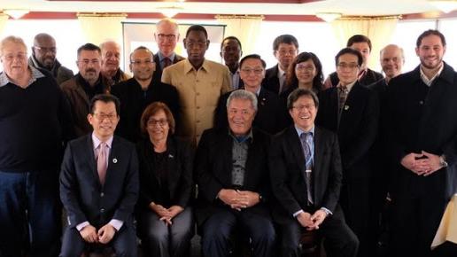 台灣環保署長李應元(前排從左一),曾出席台灣的外交部在萊茵河遊船舉辦的午宴。(中央社圖片)