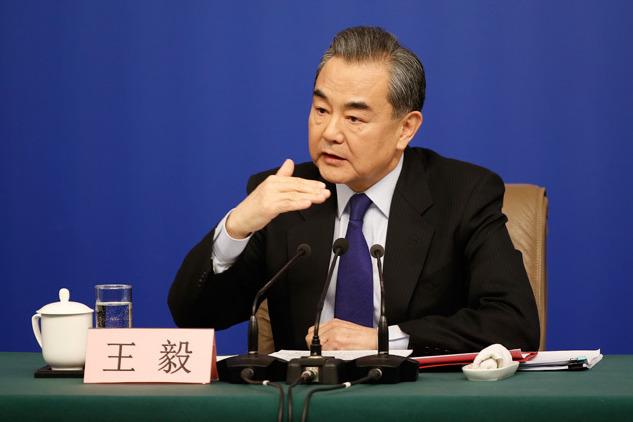 外交部長王毅表示,中國已和東盟國家達成共識,制定南海行為準則。(新華社圖片)