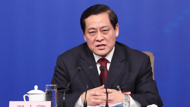 全國人大財經委副主任委員尹中卿今天說,中國沿海地區執行產業「騰籠換鳥」政策後,「籠子騰出來、鳥沒引進來」。