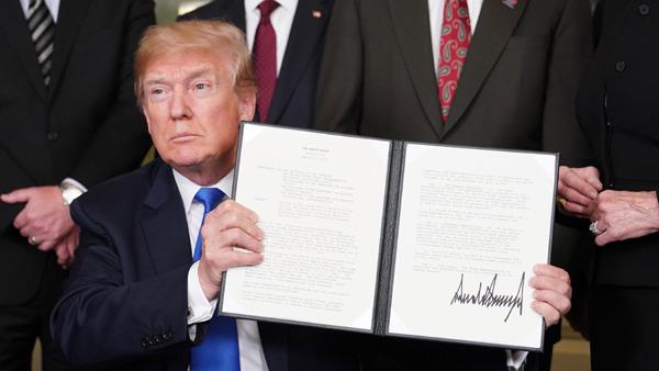 美媒指,美國貿易代表最快下周公布對1,000億美元中國產品徵收25%進口關稅的清單。