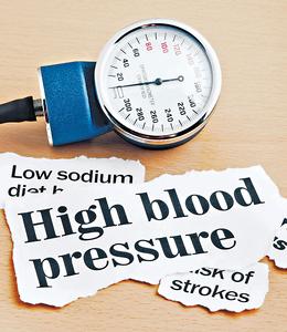 高血压是「无形杀手」,惟患者可以完全没有征状,到出现症状时病情已经很严重甚至出现并发症。(iStockphoto)