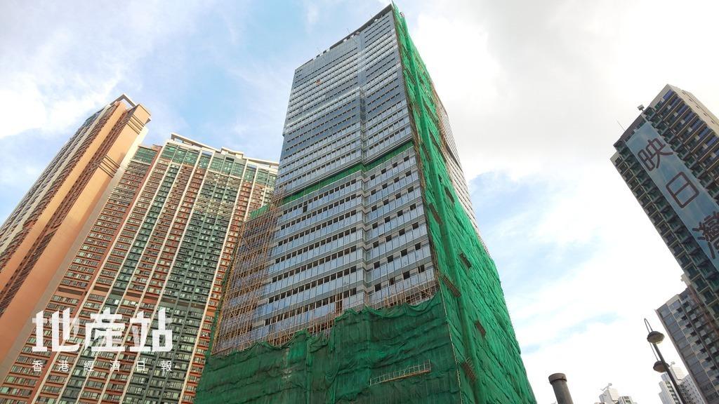 項目賣點之一是設有1幢高座的商業大樓,提供辦公室,以及零售、餐飲的商業樓面,料方便住戶飲食。