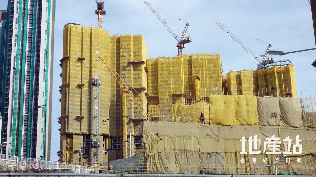 由會德豐地產及港鐵發展的日出康城GRAND MARINI,過去周末趁同系MARINI熱賣旋即推出101伙。